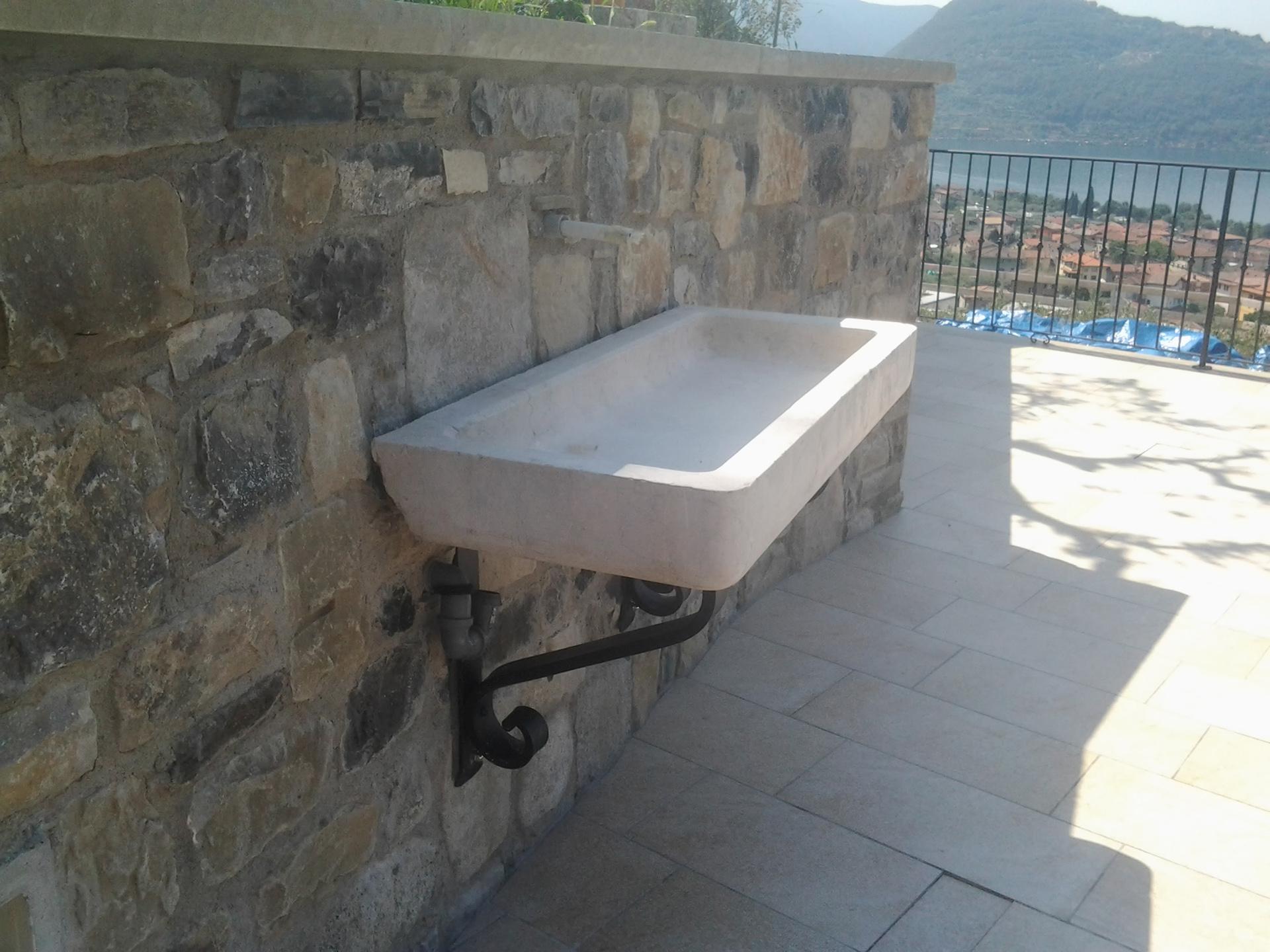 Vasca Giardino Pietra : Vasca in pietra per giardino u moloney